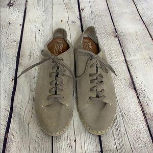 Toms Lace Up Shoes NWOT